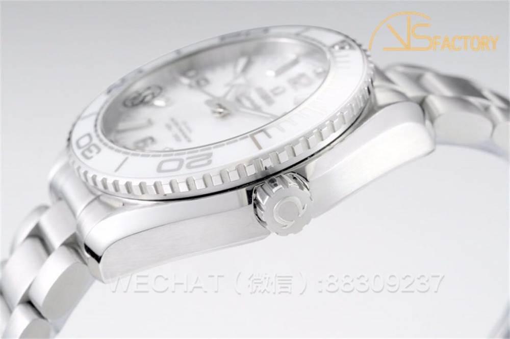 VS厂欧米茄海马600米「非黑即白」全新陶瓷女士腕表评测